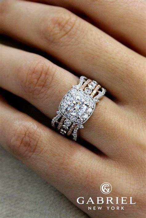 Best 25  Halo diamond rings ideas on Pinterest   Halo