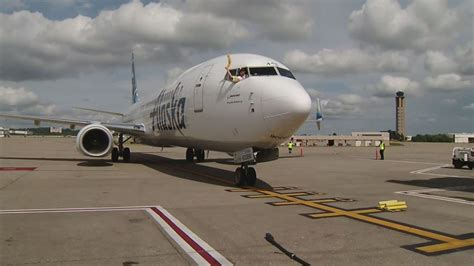 alaska airlines begins non stop flights from pittsburgh to seattle 171 cbs pittsburgh
