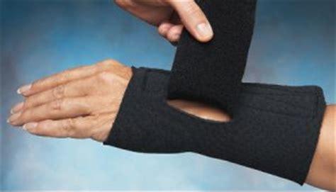 comfort cool hand brace comfort cool arthritis wrist and thumb splint