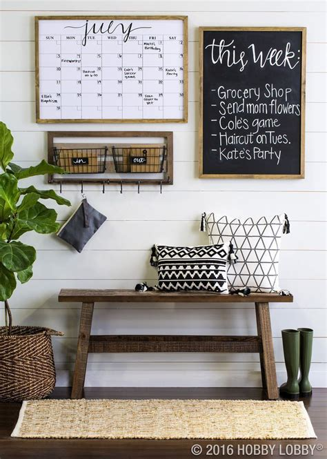 how to decor a small living room best 25 rustic farmhouse ideas on rustic