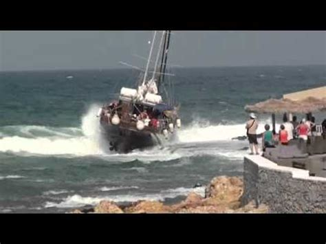boat crash waikiki between a rock and a hard place sailing boat crash doovi