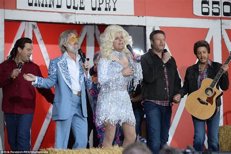 kathie lee gifford duet the today show and gma battle it out for best costumes