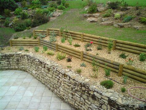 pente terrasse bois 4847 retenues talus bois plantes aromatiques jardin m 233 di 233 val