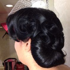 Vintage Wedding Hair Las Vegas by Two Toned Hair Always Looks Great In Victory Rolls And Pin