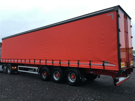 curtain side trailer hire curtain side tri axle trailers all years for sale or hire