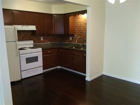 2 bedroom apartments in rockford il 3627 n rockton ave rockford il 61103 rentals rockford