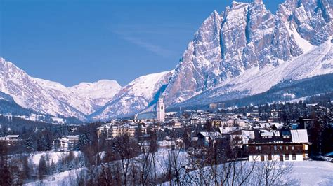 Appartamenti Cortina Capodanno by Cortina D Ezzo Vacanze Da Vip Tra Sci Eventi