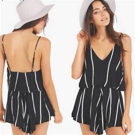 Stripes More Stripes Are The Stylish Answer To All Well Many Of Lifes Problems This Winter Fashiontribes Fashion by Romper Hemlines Stripes In Style Ootd Fashion