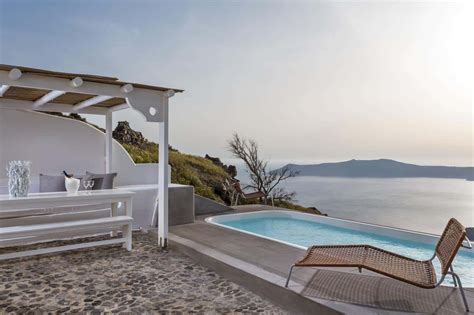 best luxury hotel santorini best places hotels in santorini best areas to stay