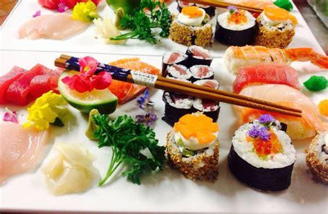 come cucinare il sushi come mangiare il sushi il galateo della cucina giapponese