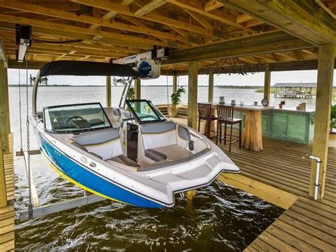 hurricane boats lifts 30 best images about boat house dock on pinterest lakes