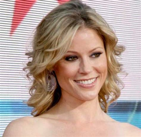 Julie Bowen Hairstyle by 35 Medium Length Curly Hair Styles Hairstyles Haircuts