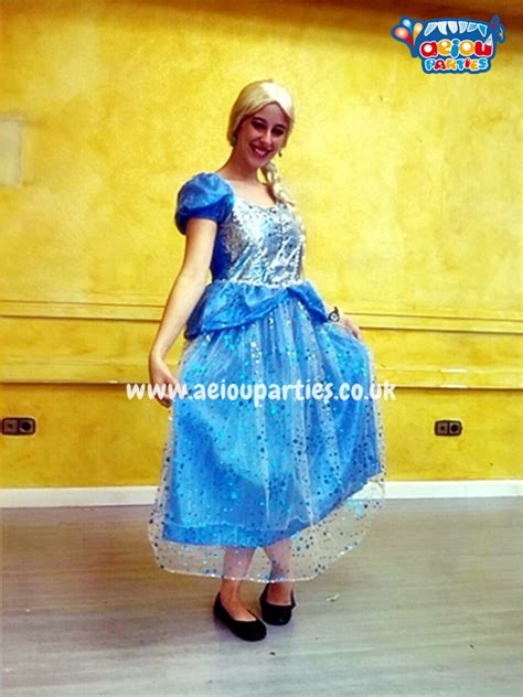 frozen themed party entertainment frozen themed children s parties in birmingham elsa and anna