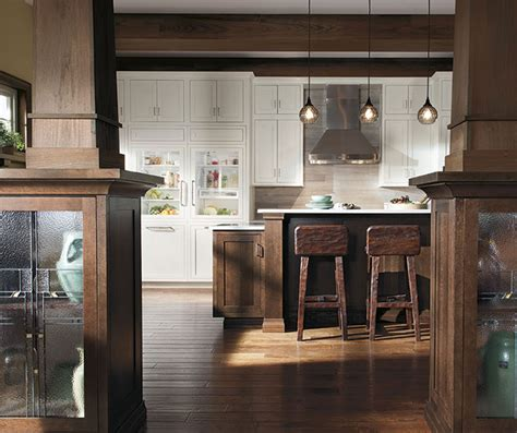 rustic oak kitchen cabinets quartersawn oak cabinets in rustic kitchen decora