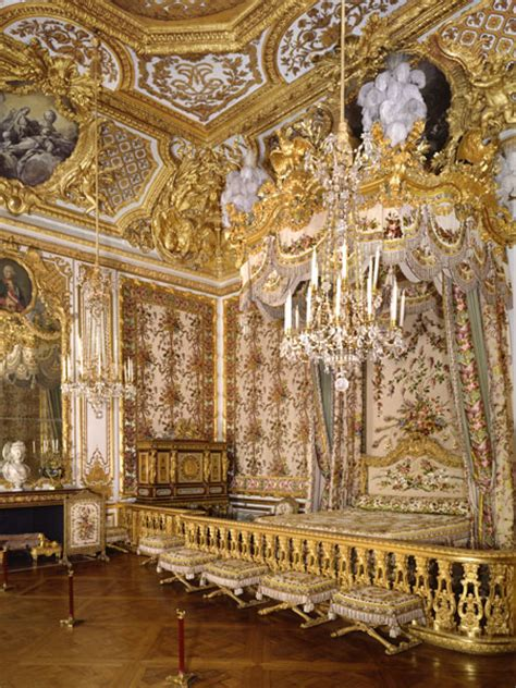 marie antoinette bedroom queen marie antoinette s bedchamber at versailles