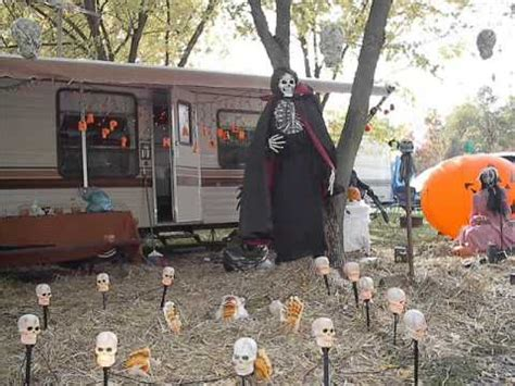 make at home halloween decorations outdoor halloween decorations outdoor halloween