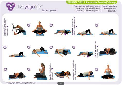 imagenes yoga para embarazadas los beneficios del yoga para embarazadas yogaesmas