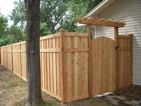 Backyard Privacy Fence Ideas by Affordable Backyard Privacy Fence Design Ideas 63