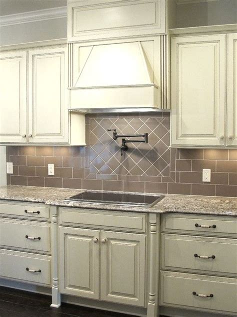 grey glazed kitchen cabinets 25 best ideas about white glazed cabinets on pinterest