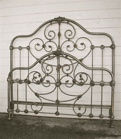 vintage iron bed beds on pinterest wrought iron beds irons and queen beds