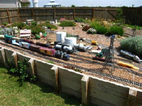 garden train layout design model train resource g scale garden track plans to