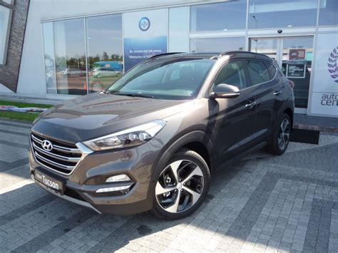 World S Best Car Interior Hyundai Tucson Moonrock Reviews Prices Ratings With