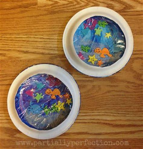 Paper Plate Aquarium Craft - aquarium craft family crafts