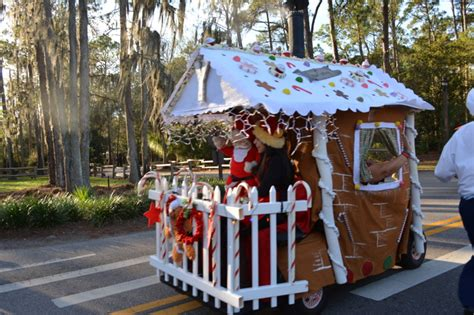 golf carts decerated for christnas mousesteps fort wilderness decorations and golf cart parade 2013 photos and