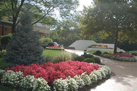 landscape beds plantings flower beds tinkerturf