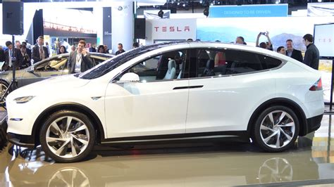 Cars Like Tesla Cars The Tesla Model X Is The Only Car In Detroit That