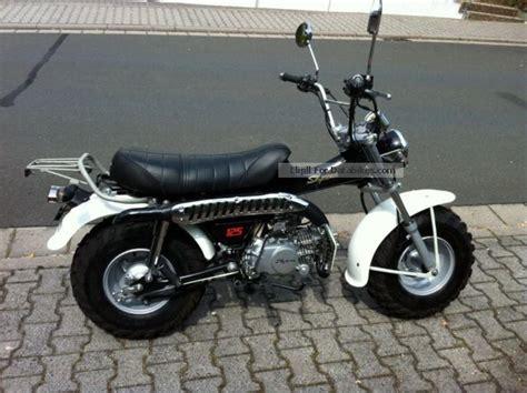 Vans R 2011 suzuki 125 moto zombdrive