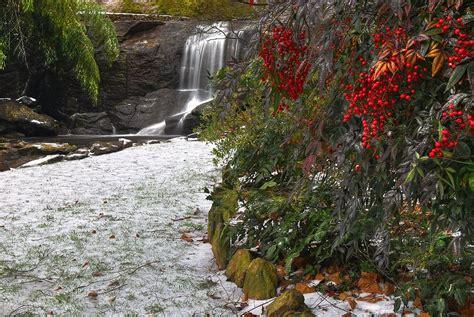 Rock Quarry Falls In Greenville Sc Cleveland Park Rock Quarry Garden Greenville Sc