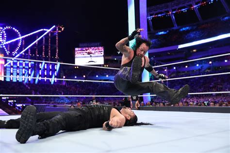 wwe  happened backstage  roman reigns beat