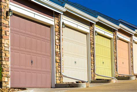Overhead Door Milwaukee Get The Best Garage Door Installation In Milwaukee Feldco Milwaukee