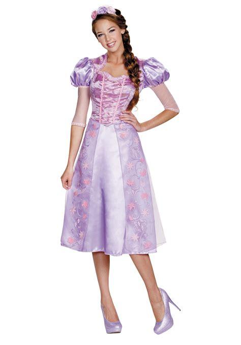 womens deluxe rapunzel costume