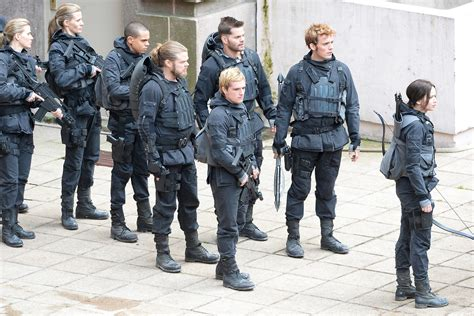Gamis Set 2 photos from the set of mockingjay part 2 the fangirl