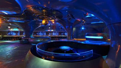 top 10 bars in the us the world s top 10 coolest bars to grab a drink youtube