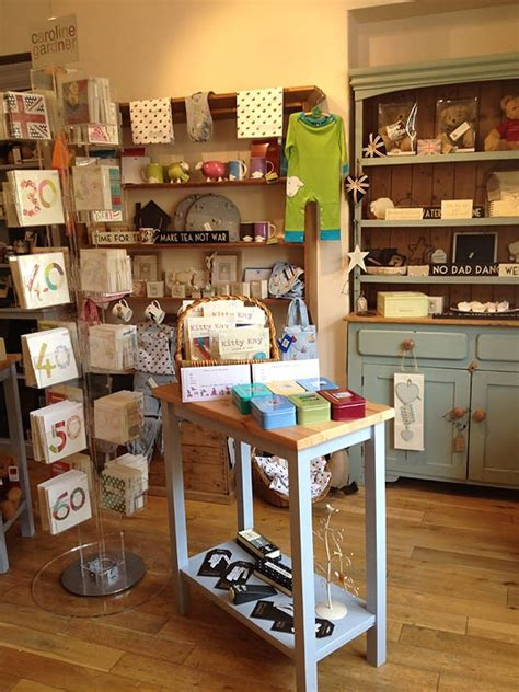 25  best Gift Shop Interiors ideas on Pinterest   Gift shop displays, Retail display shelves and