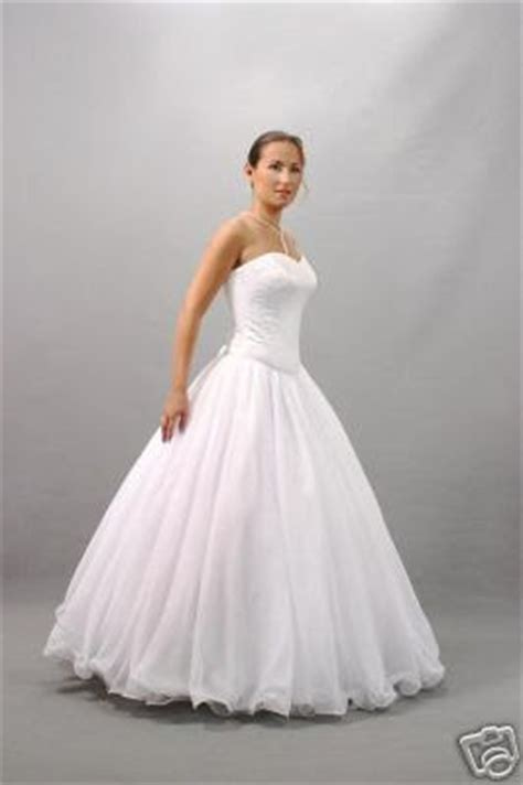 beautiful white wedding dresses how to protect your beautiful white wedding dresses