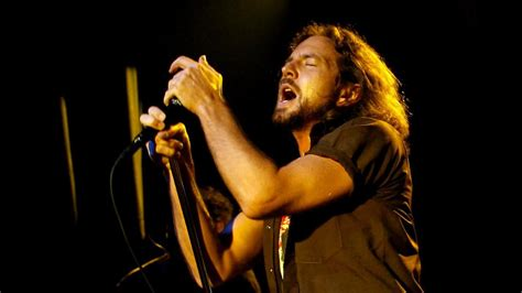 better pearl jam don t forget the songs 365 lyrical explorations from