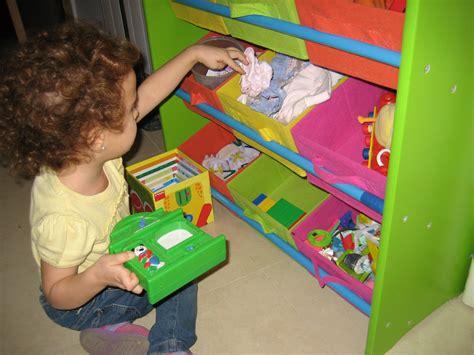 imagenes niños recogiendo sus juguetes grupo educativa cursos robotica y programacion ni 241 os
