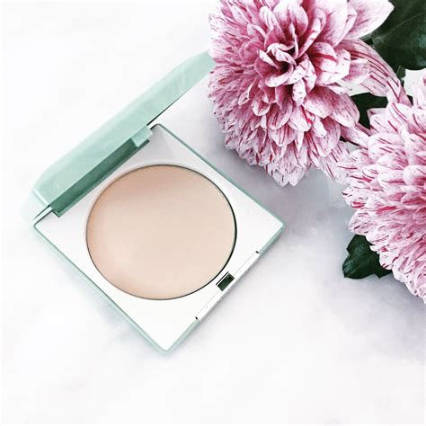 Bedak Clinique Stay Matte Sheer Pressed Powder Clinique Stay Matte Sheer Pressed Powder The Secret Board