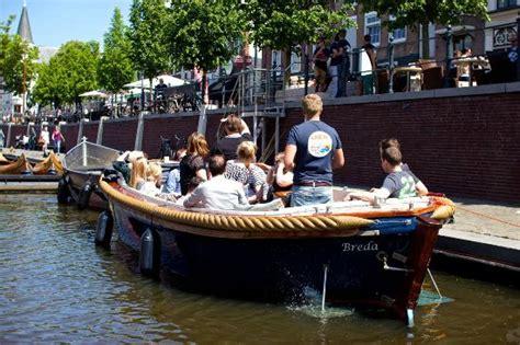 nederland bootje varen 15 personen sloep foto van bootje varen breda breda