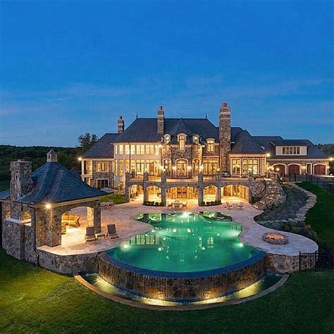amazing mansions 25 best ideas about mansions on pinterest luxury com