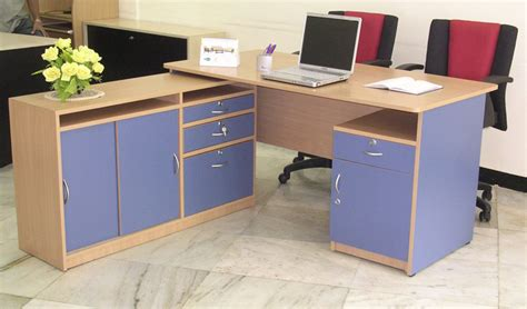 modular office furnitures woodware modular office furniture executive tables