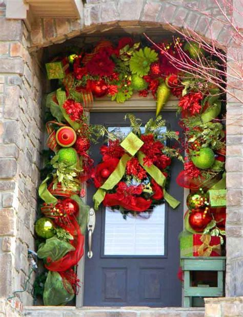 40 Christmas Door Decorating Ideas Christmas Celebrations Front Door Decorating Ideas For