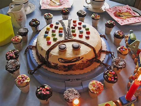 kleine kuchen im waffelbecher kleine kuchen im waffelbecher minerva chefkoch de