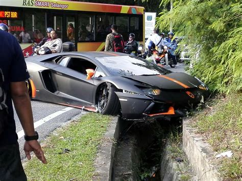 lamborghini crash lamborghini aventador crashes into a ditch in malaysia