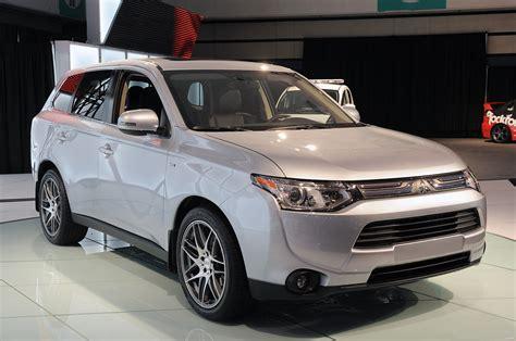 mitsubishi outlander 7 seater la auto show 2014 mitsubishi outlander unveiled comes as