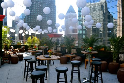 Best Roof Top Bars In Nyc by The Five Best Rooftop Bars In Nyc Right Now Around Town